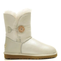 UGG Bailey Button Metallic White